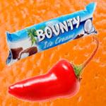 баунти и крастный перец на фоне апельсина, коллаж