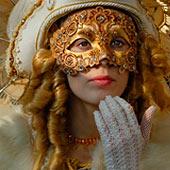 Предновогодние, новогодние и постновогодние маски для лица