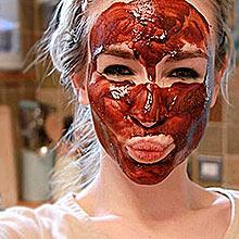 Шоколадная маска на лице, фото